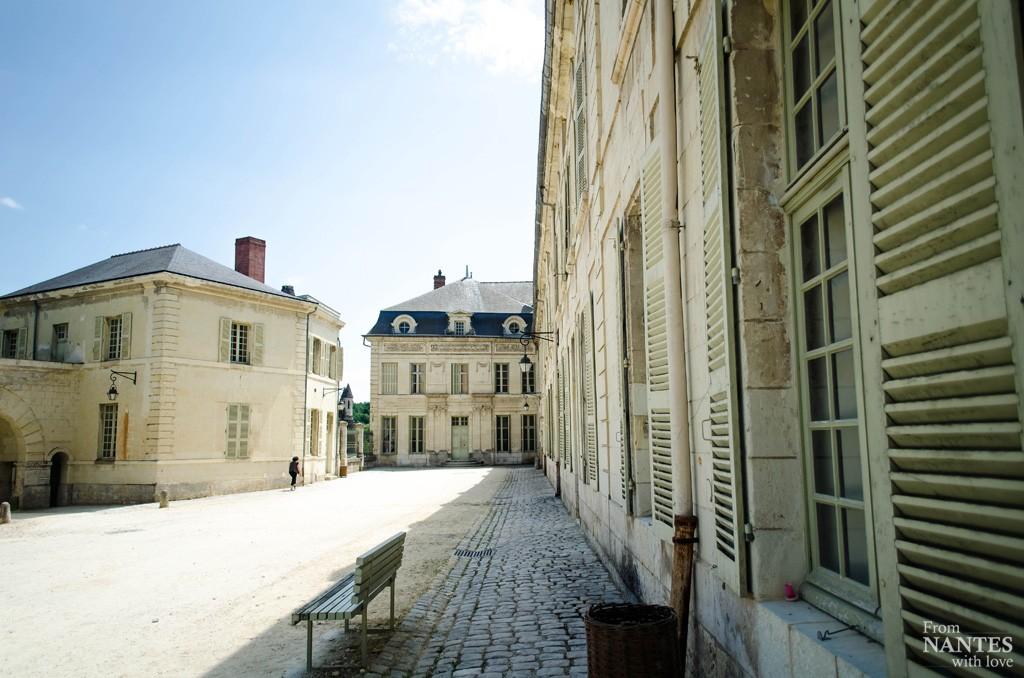 Abbaye royale de Fontevraud - Cours extérieure