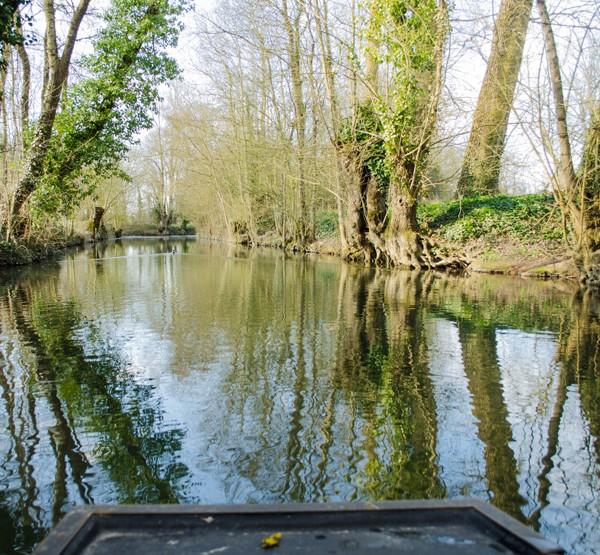 Marais poitevin #1 : En barque avec l'embarcadère Port de Montfaucon