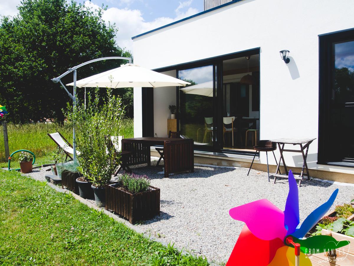 Vite une terrasse en gravier pour profiter des beaux jours for Terrasse avec cailloux