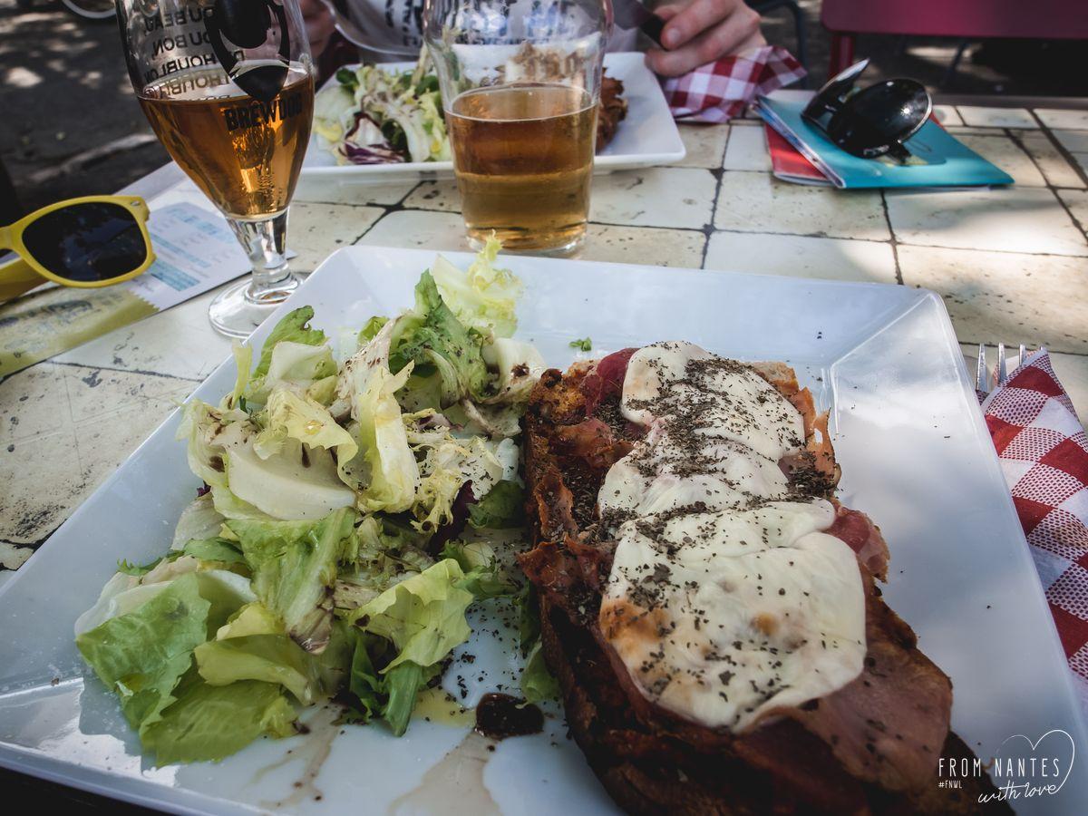 Déjeuner au café du Havre à Oudon