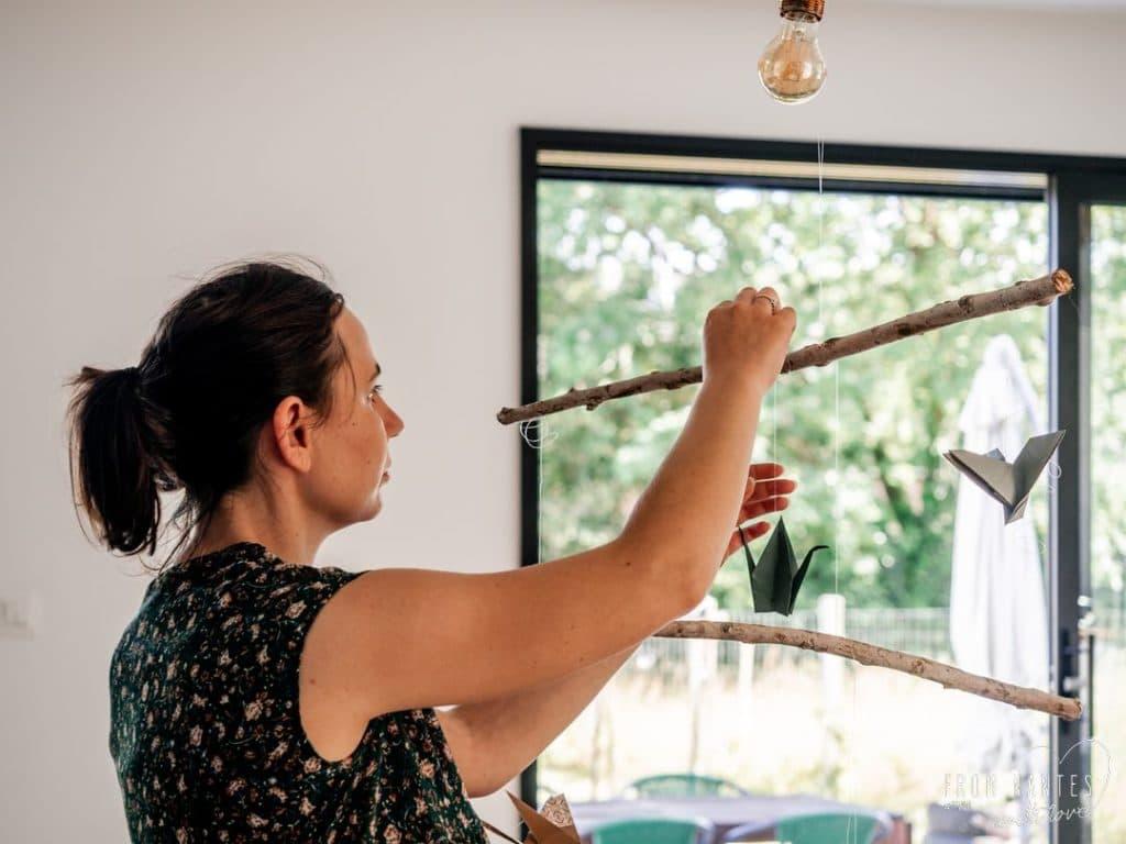 DIY – FABRIQUER UN MOBILE ORIGAMI POUR LA CHAMBRE DE BÉBÉ